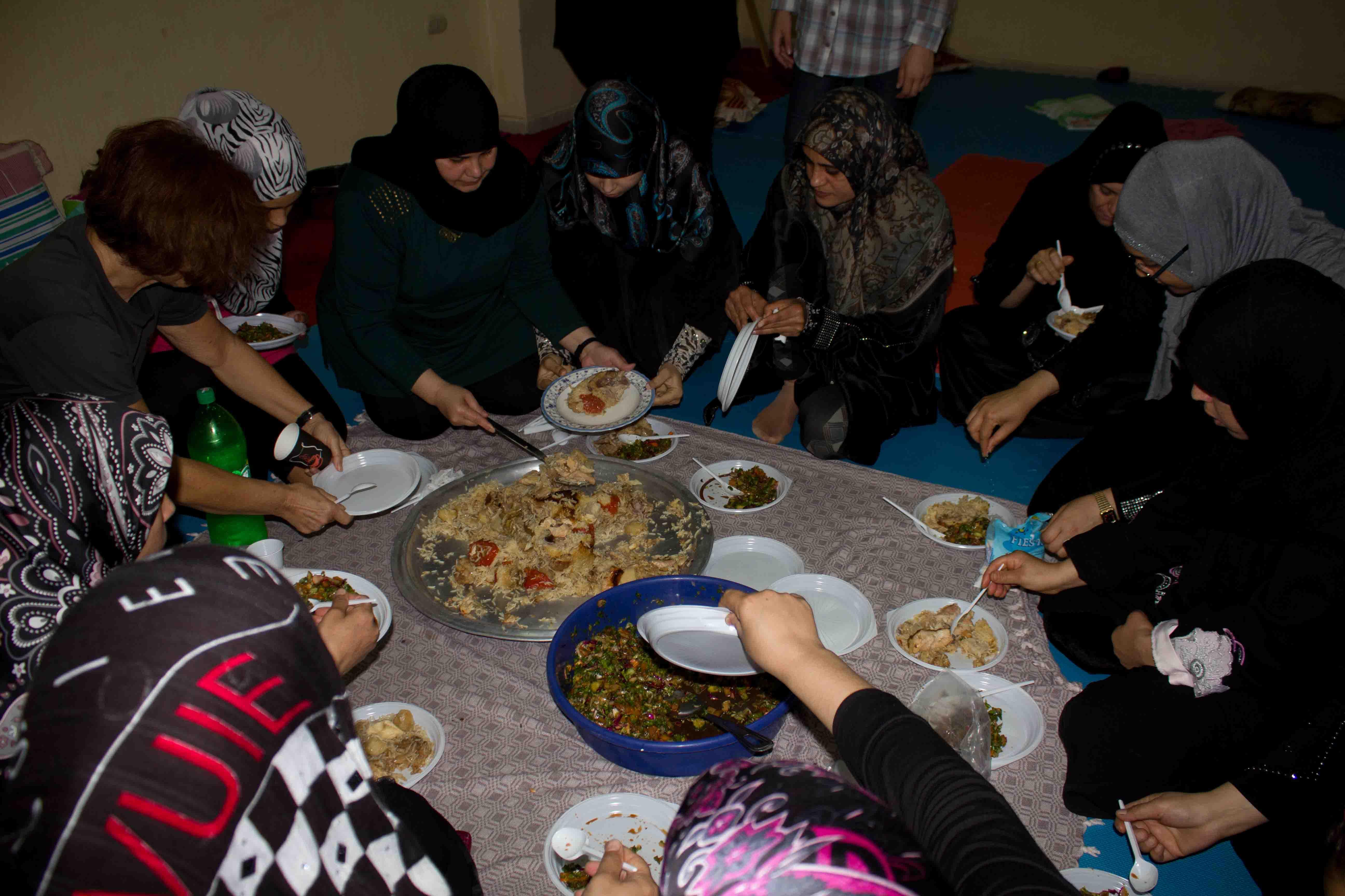 E pur si mangia shiatsu cucina e simpatia a bourj el - Cucina in simpatia ...